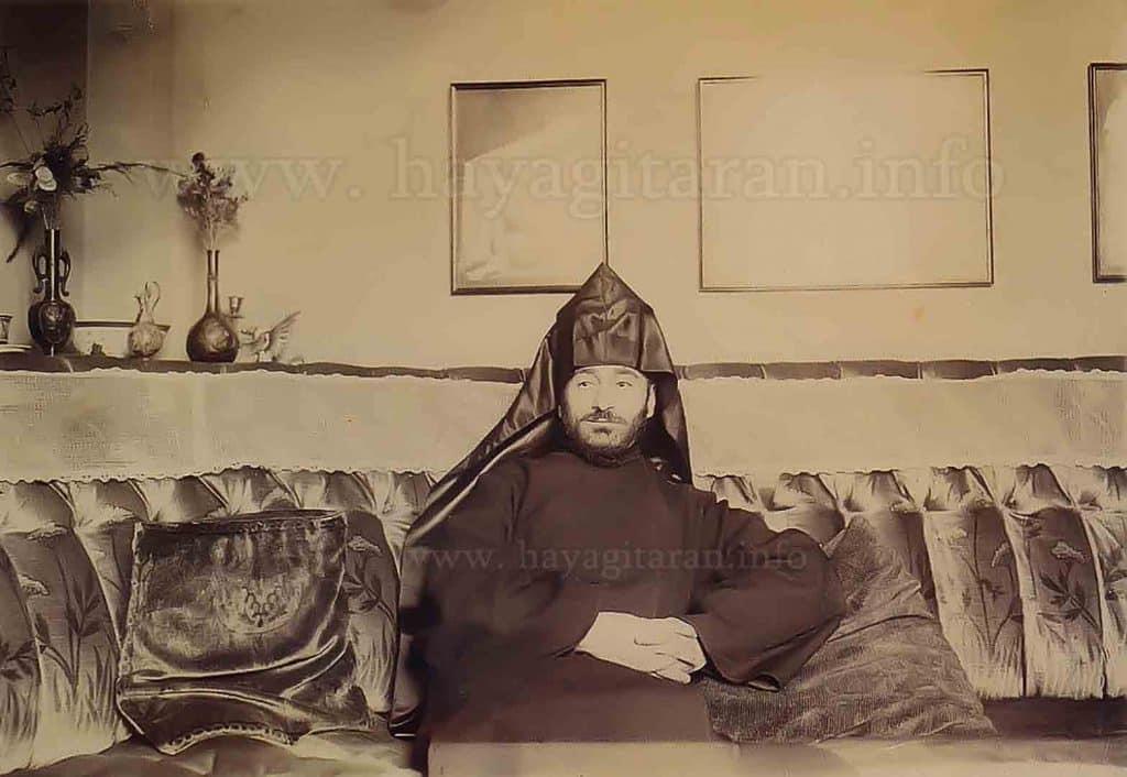 Կոմիտաս Վարդապետը Արշակ Չօպանեանի տանը (1901, օգոստոս, Փարիզ) Komitas Vardapet Archag Tchobanian's house, Paris, August 1901