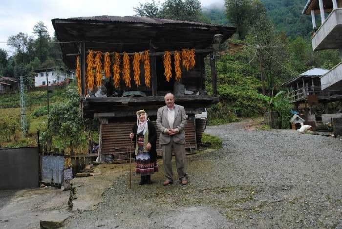 Արդվինի նահանգի համշենցիների Գարջի, այժմ Հենդեք գյուղում համշենցի տատիկի հետ Hendek – ՀԱՄՇԵՆԱՀԱՅԵՐ THE HAMSHEN ARMENIANS АМШЕНСКИЕ АРМЯНЕ
