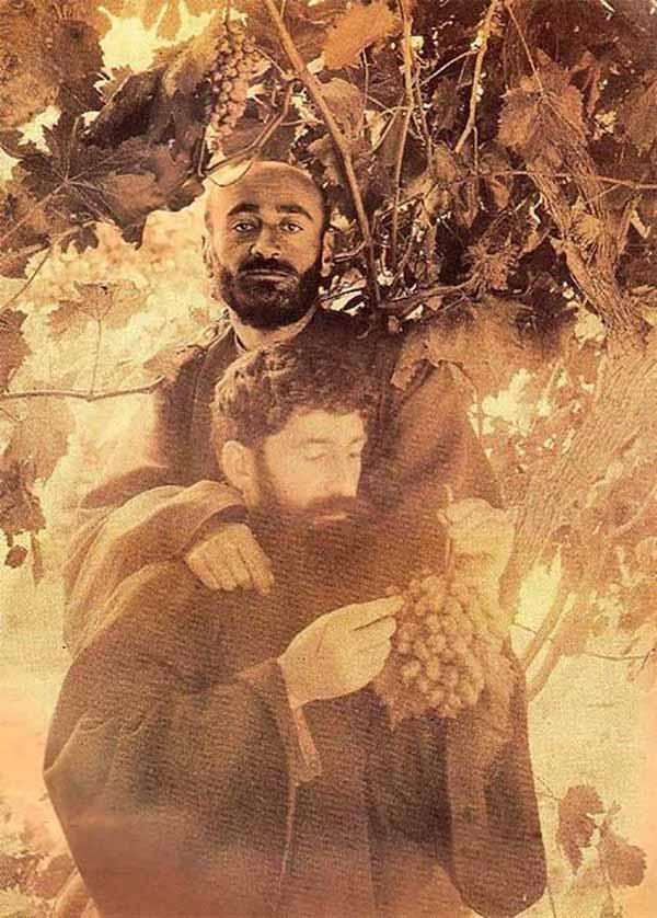 ԻՆՉՊԵՍ ԿՈՄԻՏԱՍԸ ՏԻՐԱՊԵՏԵՑ ԴԱՇՆԱՄՈՒՐԻՆ - Komitas Vardapet in Etchmiadzin, Armenia (1901) Կոմիտաս եւ Տիրայր Վարդապետ – 1901, աշուն, Ս. Էջմիածին