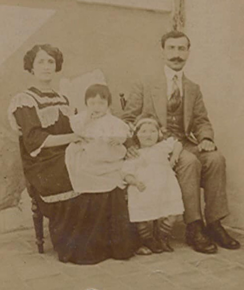 Արաքսին գրկած Արմէնը, Վերոնիքան եւ Վարուժան, 1913, Պոլիս